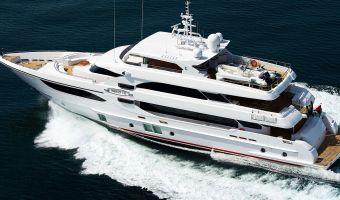 Моторная яхта супер-класса Majesty Yachts Majesty 135 для продажи