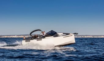 Bateau à moteur open De Antonio Yachts D33 Open à vendre