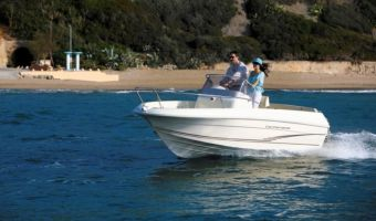Motor Yacht Jeanneau Cap Camarat 5.1cc til salg