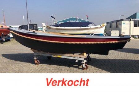 Stalen Vletje, Open motorboot en roeiboot Stalen Vletje te koop bij Jachtbemiddeling Sneekerhof