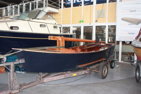 Houten Sloep, Open motorboot en roeiboot Houten Sloep te koop bij Jachtbemiddeling Sneekerhof