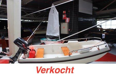 Wato 300, Speed- en sportboten Wato 300 te koop bij Jachtbemiddeling Sneekerhof