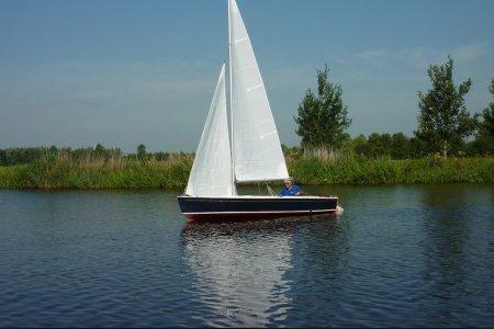 Volksboot 480, Open zeilboot Volksboot 480 te koop bij Jachtbemiddeling Sneekerhof