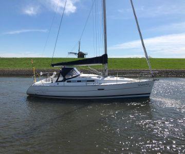 Beneteau Oceanis 323, Zeiljacht Beneteau Oceanis 323 te koop bij West Yachting