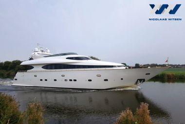 Fipa Yachts Italiana - Maiora 25DP, Superjacht motor  for sale by Jachtmakelaardij Nicolaas Witsen