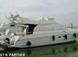 Ferretti FERRETTI 120 FLY, Barcă cu motor Ferretti FERRETTI 120 FLYde vânzareMichael Schmidt & Partner Yachthandels GmbH
