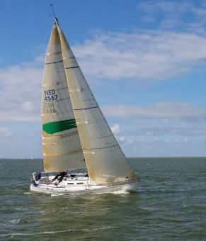 J BOAT J-33, Zeiljacht J BOAT J-33 for sale by GT Yachtbrokers