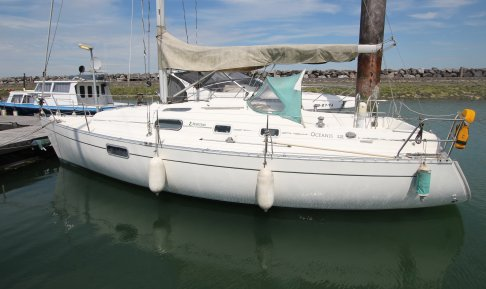 Beneteau Oceanis 321, Zeiljacht for sale by GT Yachtbrokers