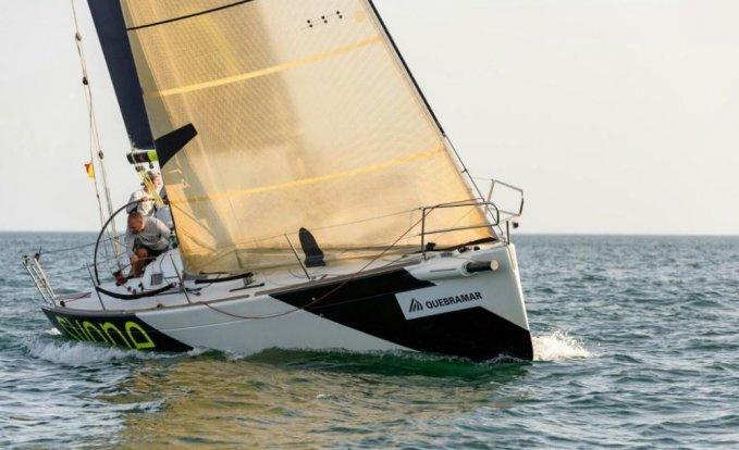 Beneteau 34.7, Zeiljacht for sale by GT Yachtbrokers
