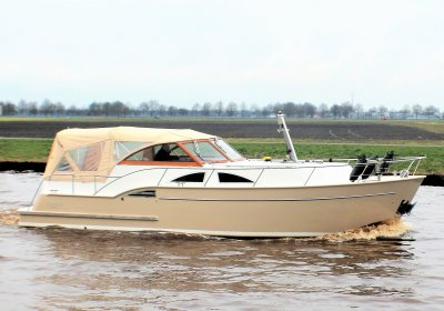 Crown Corona 102 Cabrio, Motor Yacht  for sale by Pedro-Boat