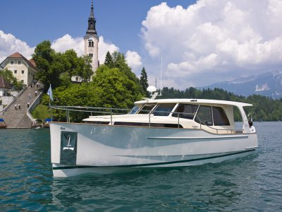 Greenline 33, Motoryacht  for sale by Amsterdam Nautic