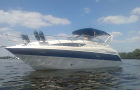 Bayliner 305 Cruiser for sale by YachtBid