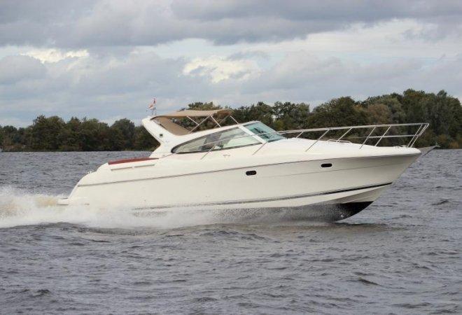 Jeanneau Prestige 34 for sale by SchipVeiling
