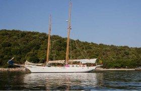 Lunstroo Schooner for sale by YachtBid