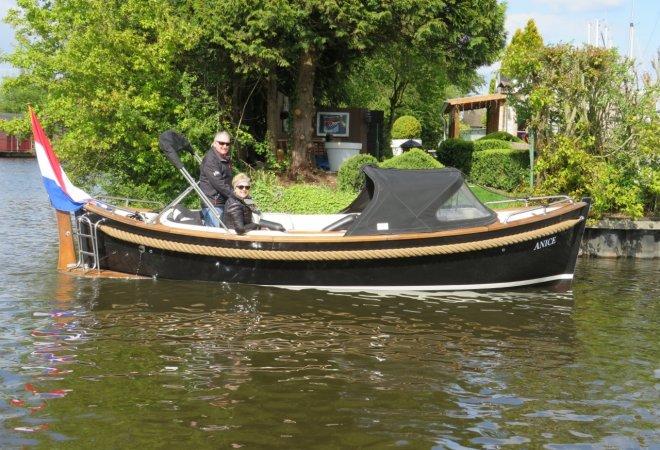 Vreelander 6.60 for sale by SchipVeiling
