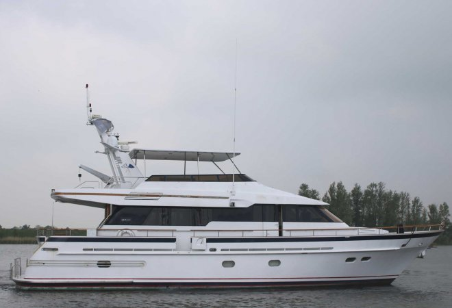 Hakvoort 70 TSDY for sale by SchipVeiling
