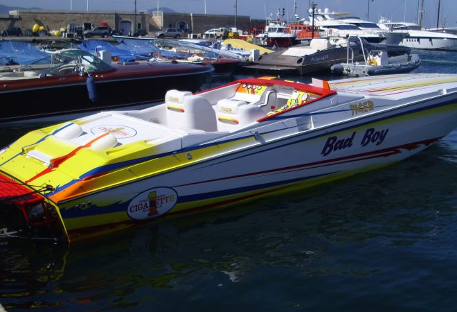 Cigarette Tiger 42, Speedboat and sport cruiser  for sale by SchipVeiling