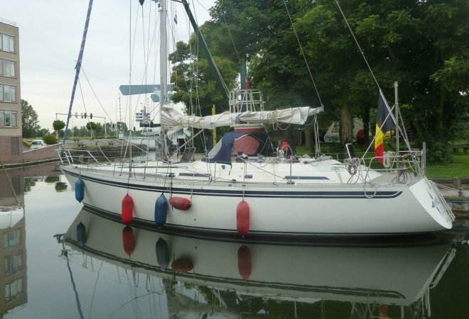 Moody 47 for sale by SchipVeiling
