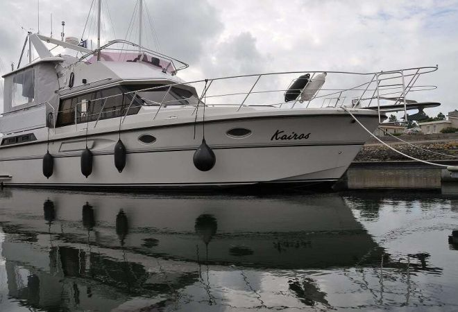 President 385 Sundeck, Motor Yacht  for sale by YachtBid