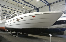 Pershing 50 HT for sale by YachtBid