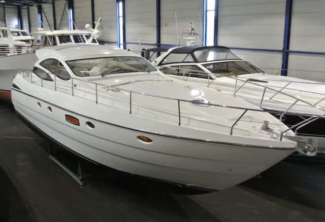 Pershing 50 HT, Motorjacht  for sale by YachtBid