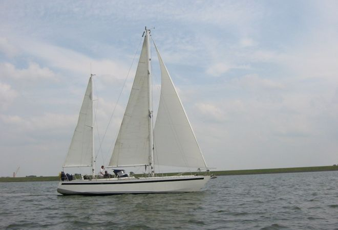 Bruce Roberts 45 Center Cockpit Ketch, Sailing Yacht  for sale by SchipVeiling