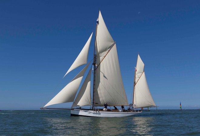 Camper And Nicholson Gaff Yawl for sale by YachtBid