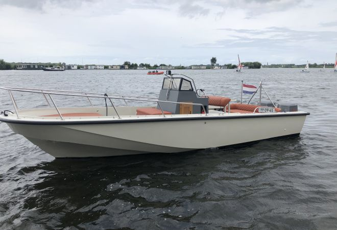 Boston Whaler OUTRAGE 22, Speedboat and sport cruiser  for sale by SchipVeiling