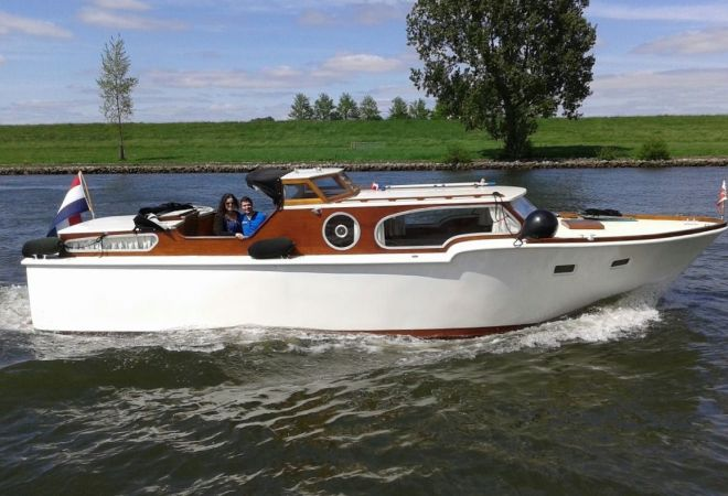 Chris Craft 34 Double Cabin Replica, Motor Yacht  for sale by SchipVeiling