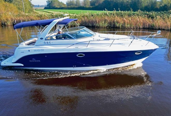 Rinker 300 Express Cruiser, Speedboat and sport cruiser  for sale by YachtBid