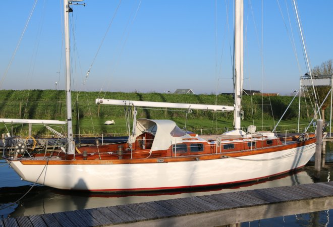 Van De Stadt Tulla III for sale by YachtBid