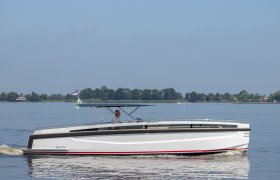 Venandi 900 for sale by YachtBid