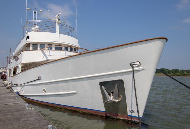 36m Long Range Motor Yacht, Motorjacht  for sale by YachtBid