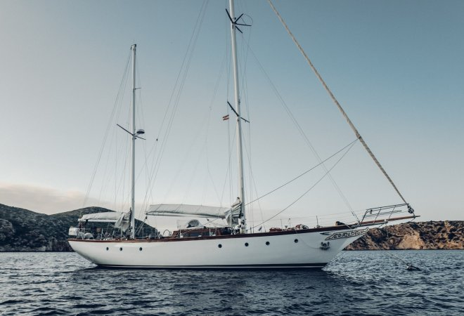 Alan Pape One Off Sailing Yacht for sale by YachtBid