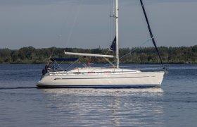Bavaria 36 Cruiser for sale by YachtBid