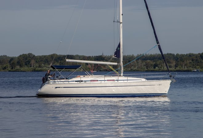 Bavaria 36 Cruiser for sale by YachtBid