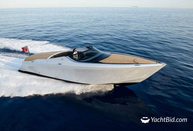 Aston Martin AM 37 White for sale byYachtBid