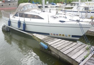 Feeling 720, Zeiljacht Feeling 720 te koop bij Jachtmakelaar Monnickendam