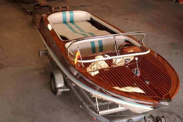 , Klassiek/traditioneel motorjacht  for sale by Connect Yachtbrokers