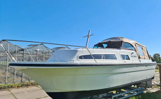 Almeria 850, Motorjacht for sale by Connect Yachtbrokers