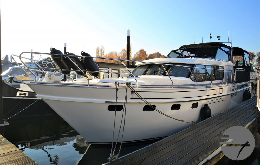 Valk Super Falcon 45, Motoryacht  for sale by All Waters Yachts