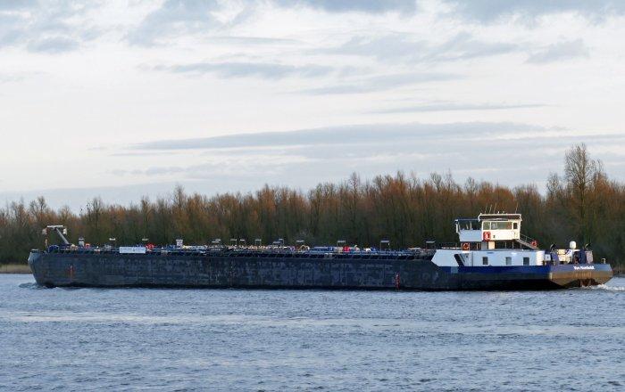 VON HUMBOLDT (RVS-STST) Tanker, Berufsschiff(e)  for sale by Kriesels Shipbroker BV