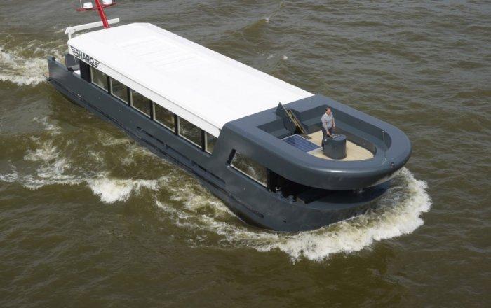 SHARQ TRAVELLER QROOZ, Motor Yacht  for sale by Kriesels Shipbroker BV