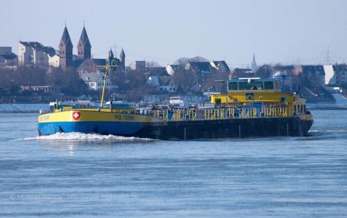Tanker PIZ TERRI, Professional ship(s)  for sale by Kriesels Shipbroker BV