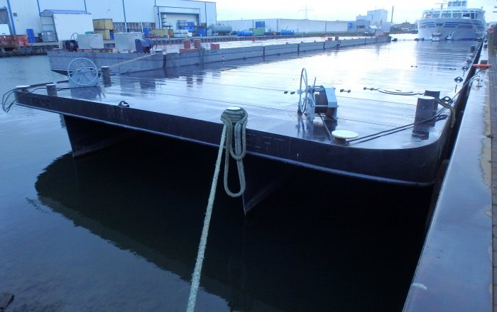 PONTON, Beroepsschip  for sale by Kriesels Shipbroker BV