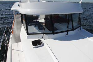 Beneteau Swift Trawler 34S Photo 15