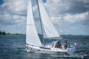 Beneteau Oceanis 41.1 Photo 1