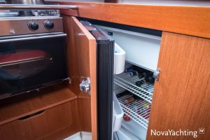 Beneteau Oceanis 34 3-cabin Photo 45