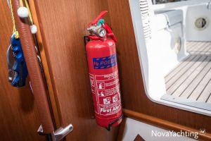 Beneteau Oceanis 34 3-cabin Photo 32