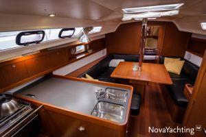 Beneteau Oceanis 34 3-cabin Photo 4